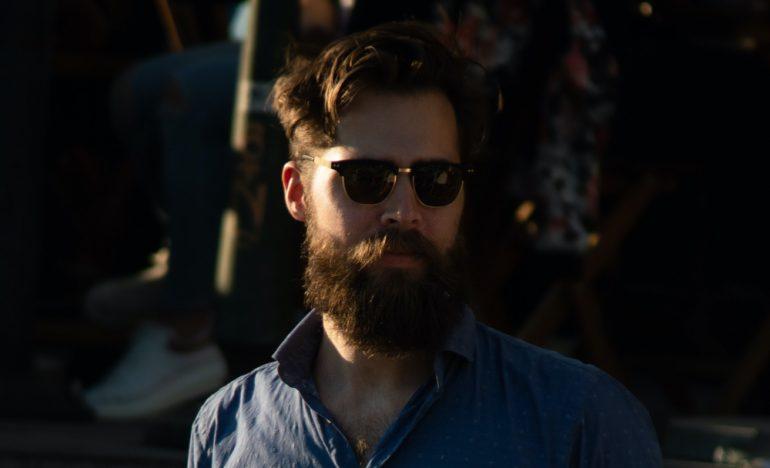 cómo-hacer-crecer-la-barba-laura-dewilde-unsplash