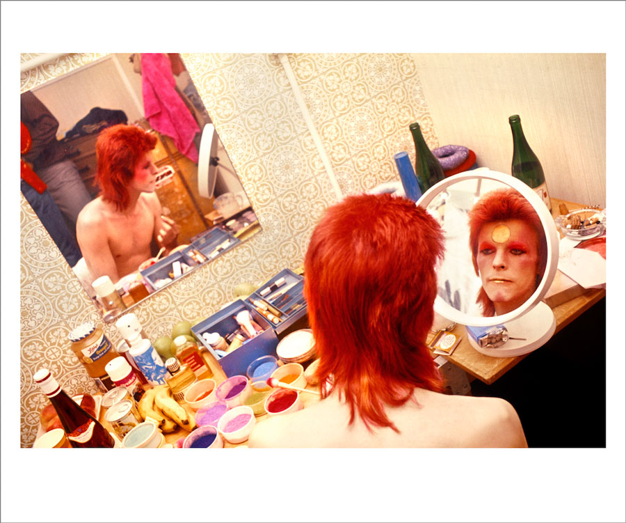 Bowie Make Up, Circle Mirror, Scotland, 1973 ©MickRock