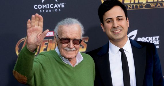 El exmanager de Stan Lee tiene orden de arresto por abuso de ancianos