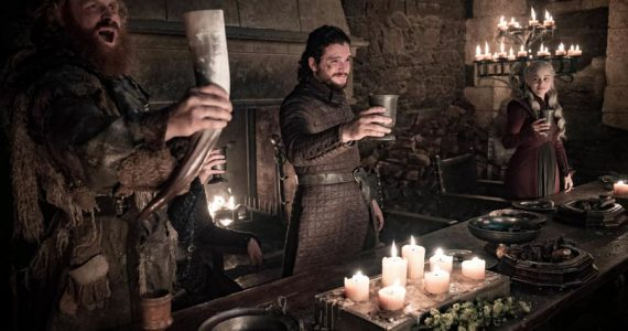 Game of Thrones: dejan vaso de café desechable en una escena