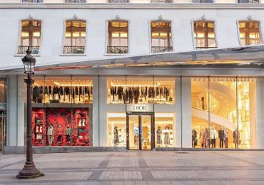 Dior inaugura boutique en Champs Elysees