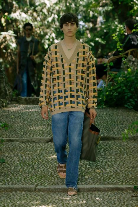 10 outfits de FENDI cortesia FENDI -10