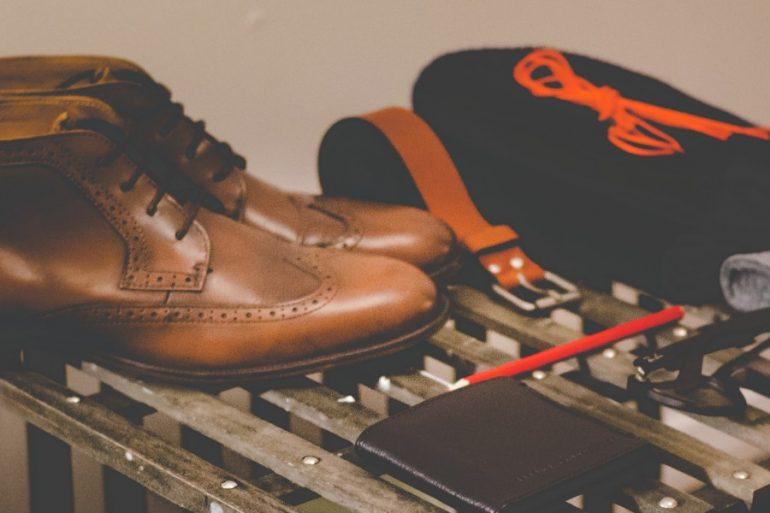 zapatos con gps para alzheimer - unsplash