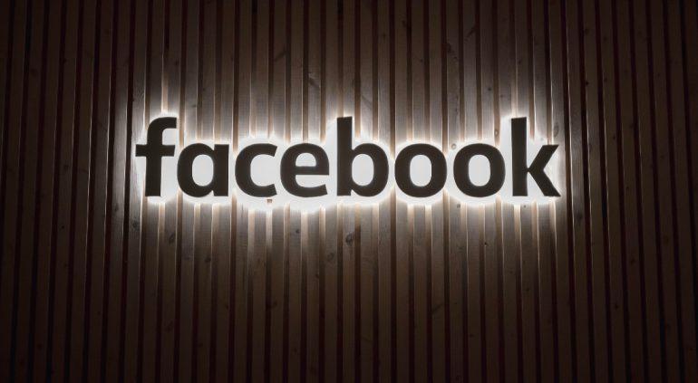 Facebook Netflix aplicaciones líderes alex haney unsplash