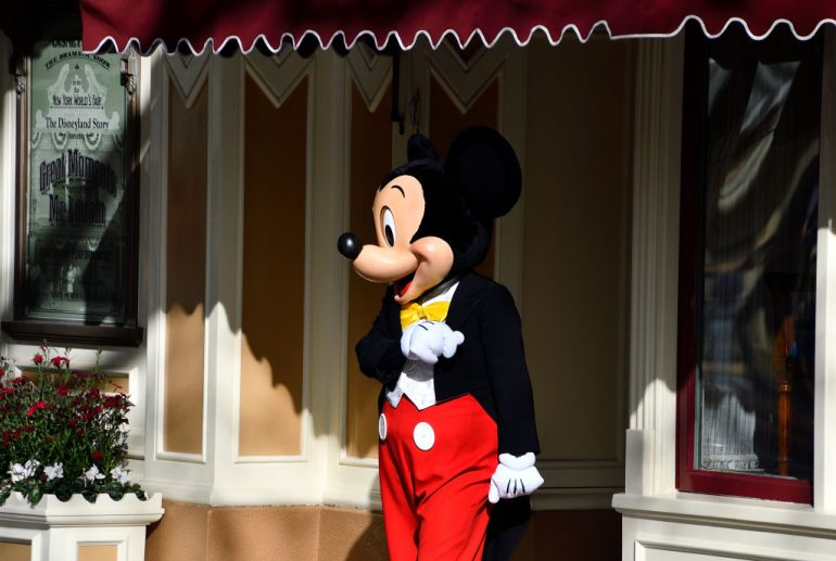Disneyland Universal cierran coronavirus - Foto Getty Images