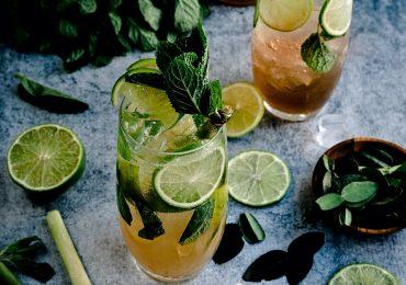 5 cocteles fáciles de preparar en casa Foto jennifer-schmidt-unsplash