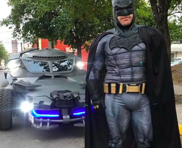 Batman patrulla calles coronavirus Foto: mexiconewsdaily