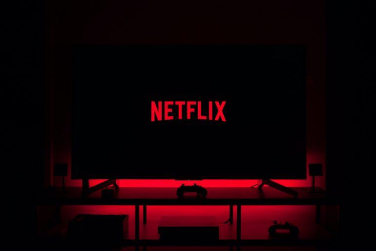 Netflix-gratis-youtube-Foto-thibault-penin-unsplash
