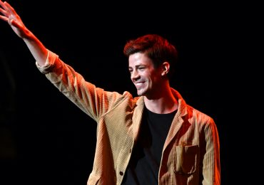 The Flash Ezra Miller Grant Gustin Foto Getty Images