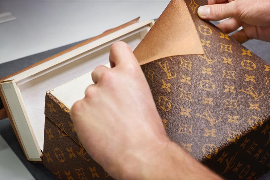 Louis-Vuitton-la-historia-logo-foto-Gregoire-Vieille