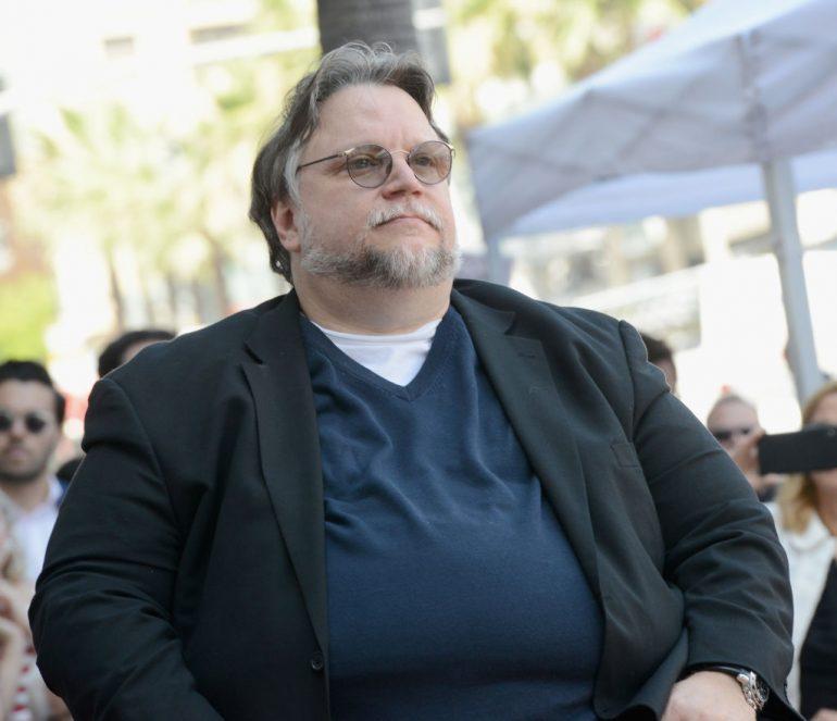 Guillermo del Toro llama a la justicia social a través de marchas en México