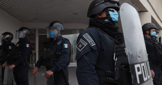 Tres-policías-detenidos-por-la-muerte-de-Giovanni-López-foto-Getty-images