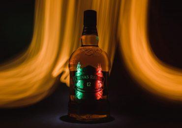 botellas-de-whisky-foto-alexander-aguero-unsplash