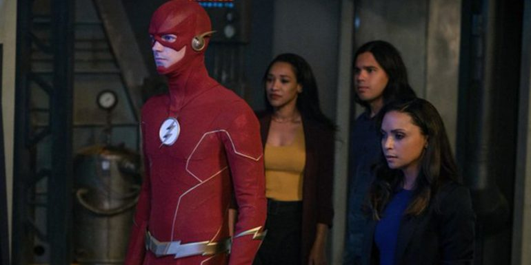 despiden-actor-the-flash-racista-foto-the-cw