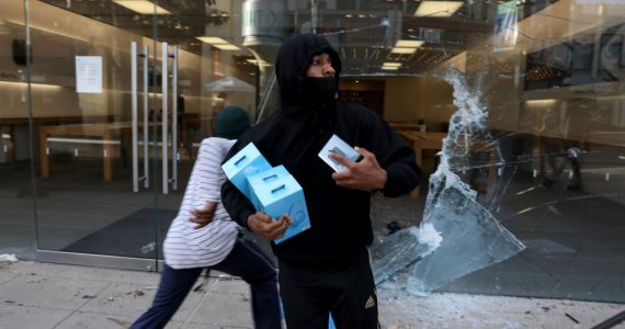 iPhones robados en las protestas son bloqueados