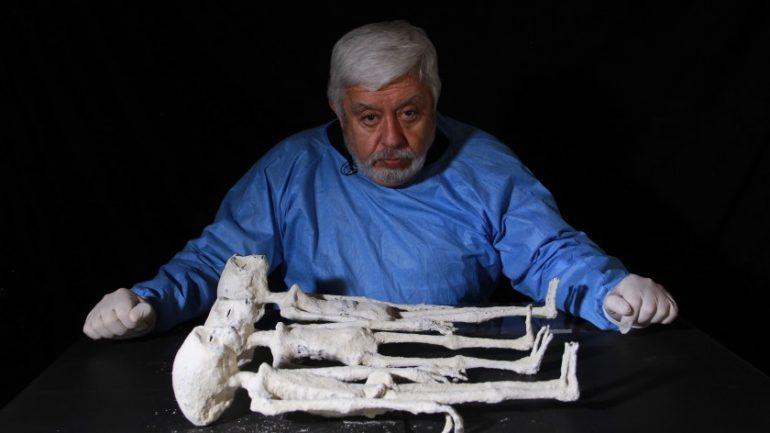 jaime-maussan-momias-de-nazca-foto-History-Channel