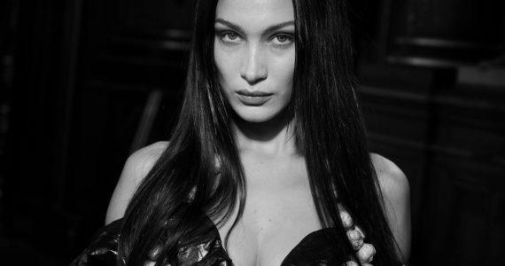Bella Hadid en sensual bikini sexy