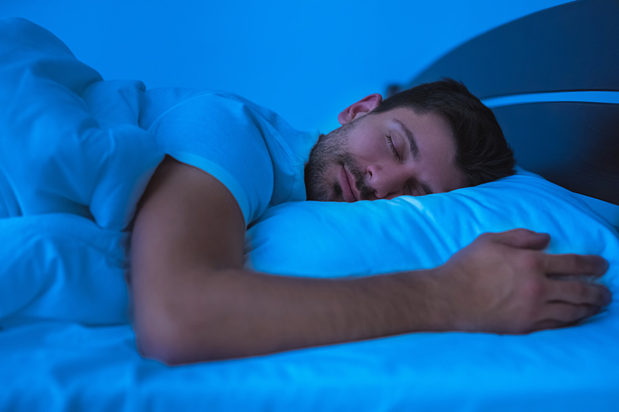 9 formas de descansar mejor por la noche | Esquire