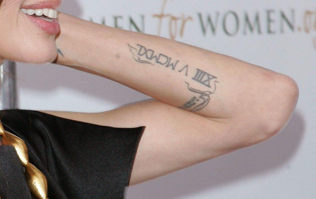 Tatuajes Angelina Jolie significado brazo
