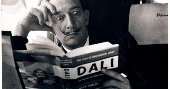 lector snob o serio salvador Dalí