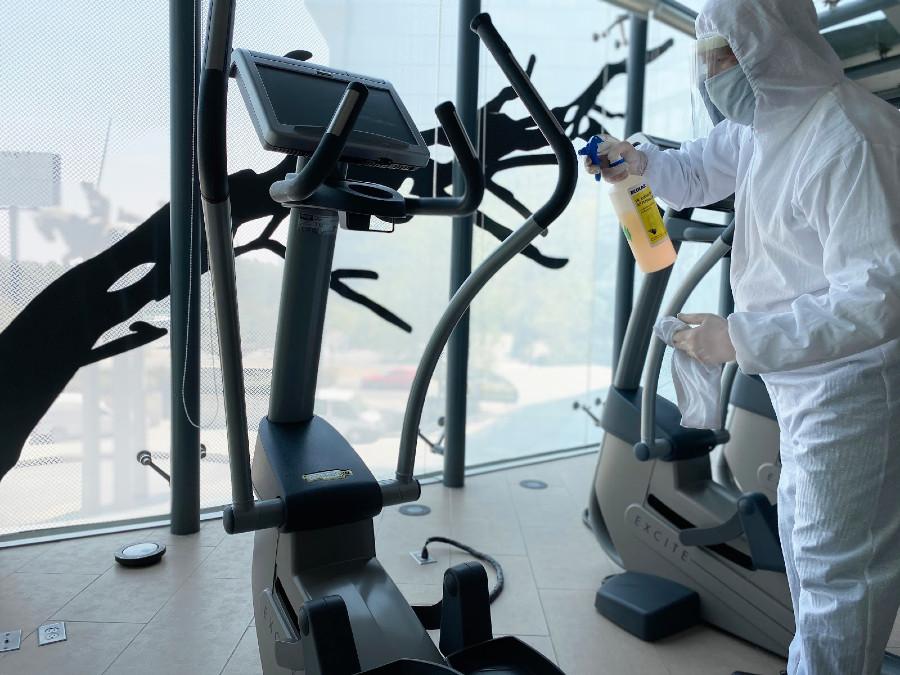sanitizacion hoteles en el gym