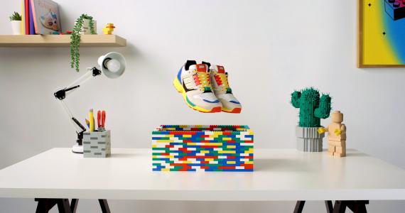 Adidas LEGO tenis caja