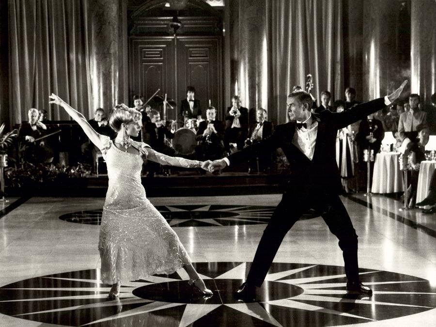 Kim Basinger también es una chica bond pareja del agente 007