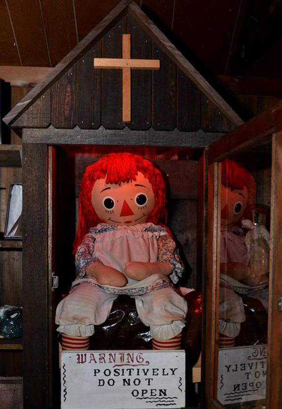 La verdadera historia de Annabelle - Los Warren