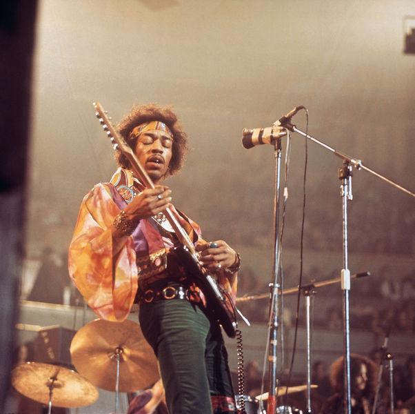 Looks de cantantes de rock Hendrix