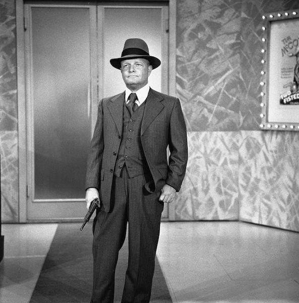 Truman Capote con sombrero