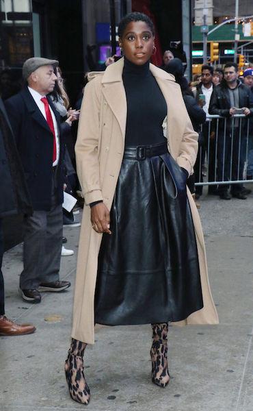 Lashana Lynch es la nueva 007 - street style