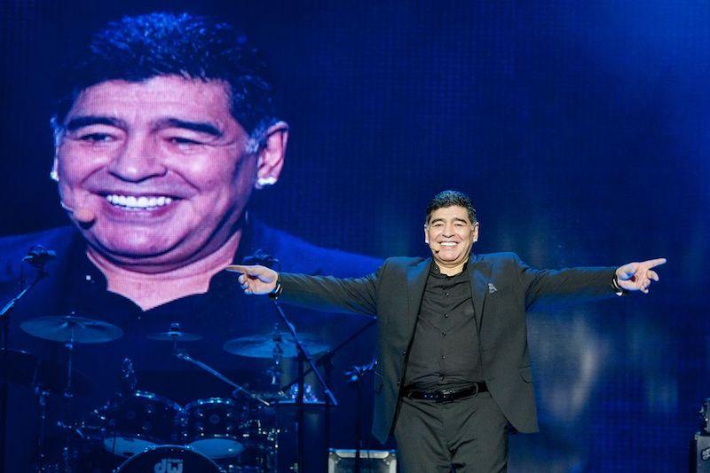 Muere Maradona cima