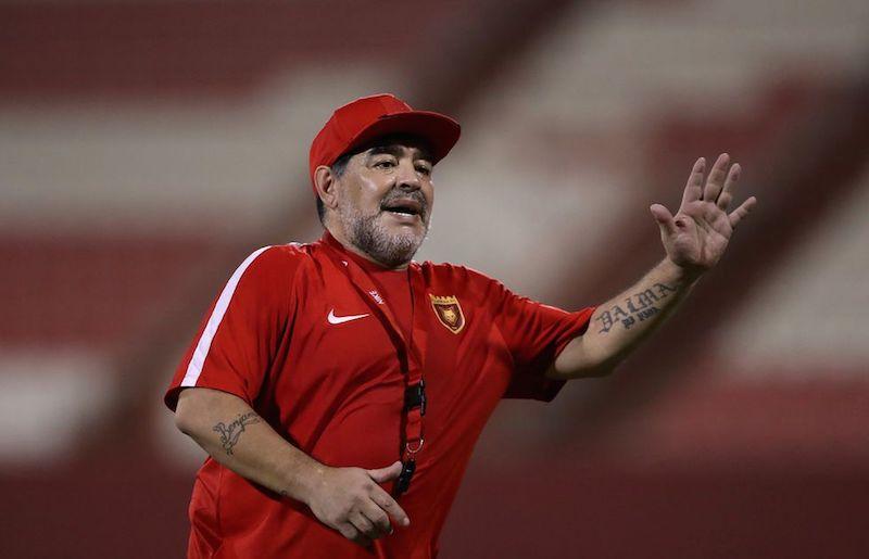 Muere Maradona entrenador