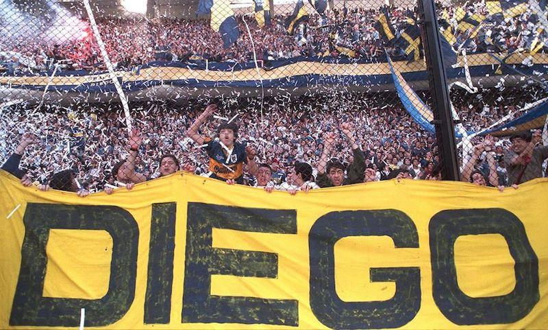 Muere Maradona estadio