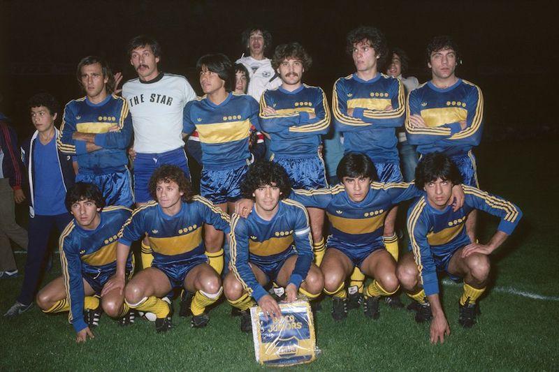 Muere Maradona pelusa
