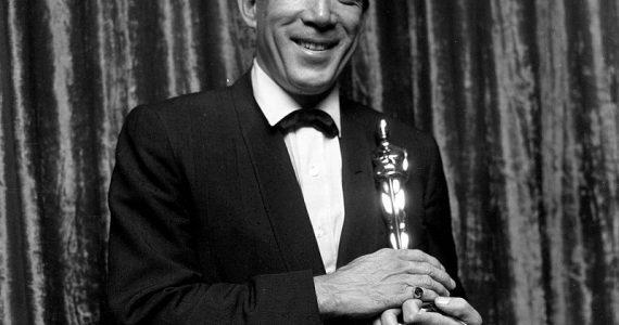 Anthony Quinn, biografia, trayectoria, premios Oscar y peliculas en Hollywood