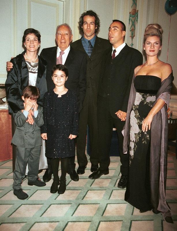 Anthony Quinn familia completa fotos