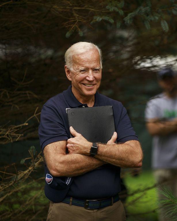 Joe Biden estilo Gadgets