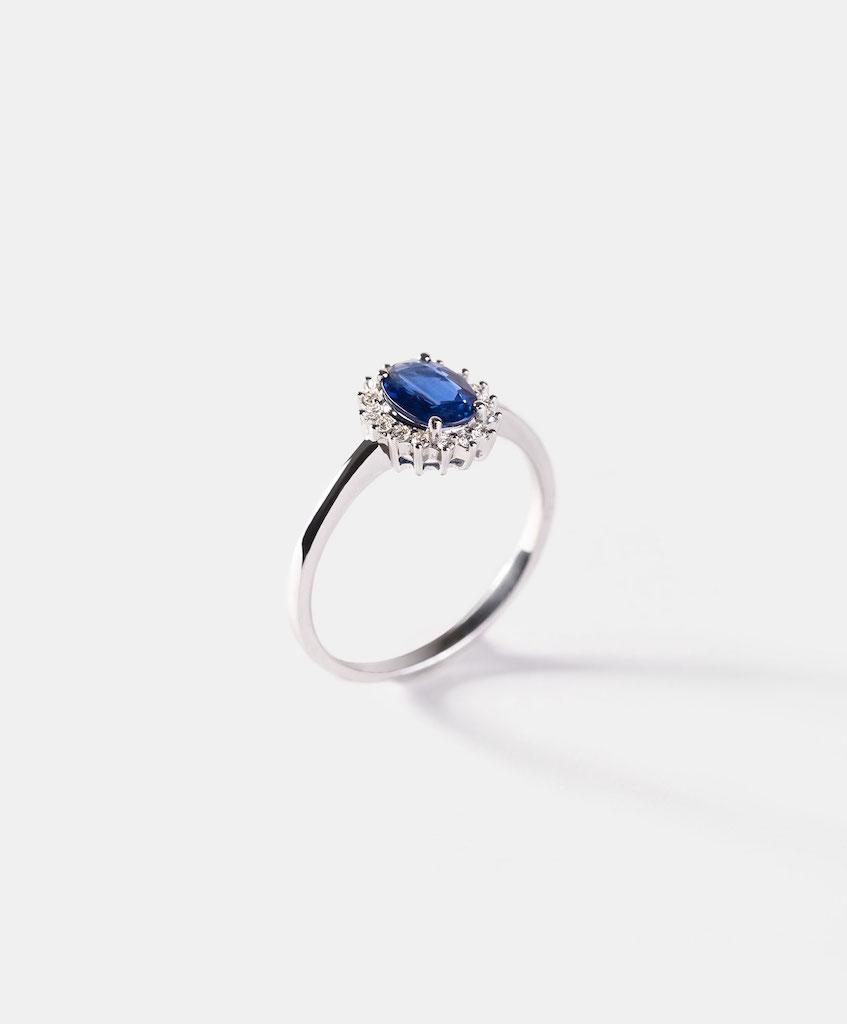 Consejos para elegir anillo de compromiso Zafiro
