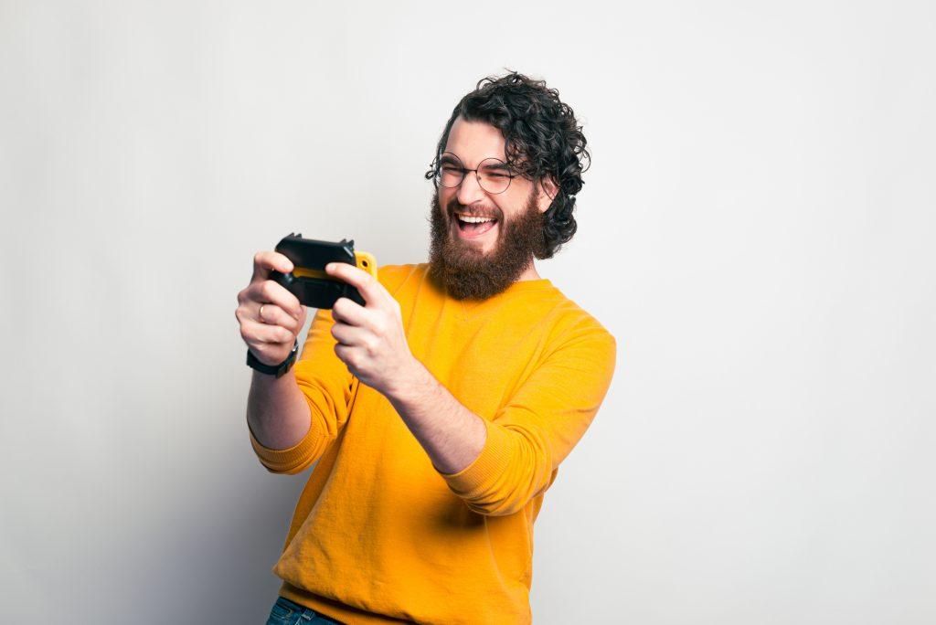 Cortes de cabello para hombres con pelo chino