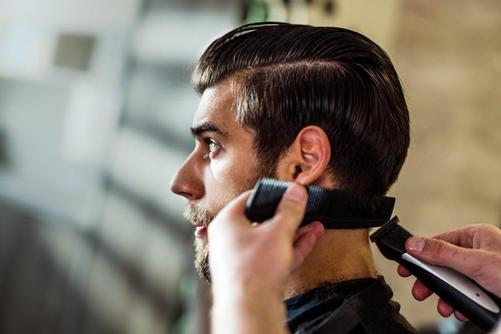 Cortes de cabello para hombres de pelo lacio