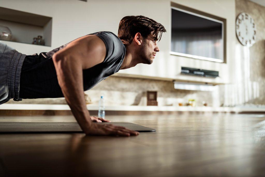 Lagartijas para ganar masa muscular en los brazos