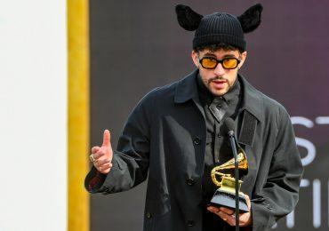 Hombres mejor vestidos en los grammy 2021 Bad Bunny