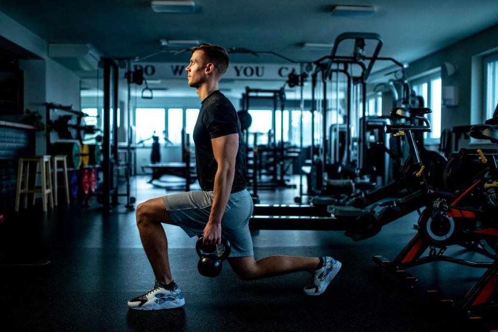 Ganar masa muscular Rutina de zancadas para piernas