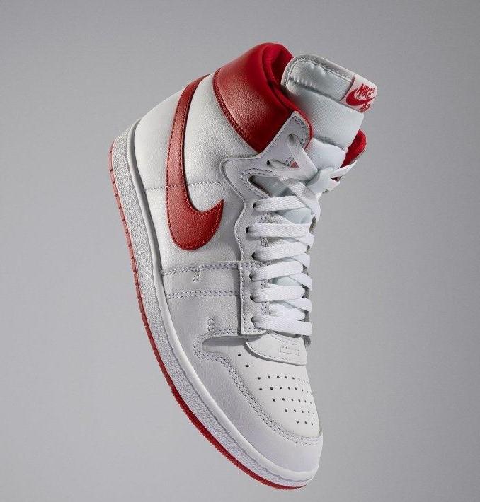 Air Jordan blanco con rojo