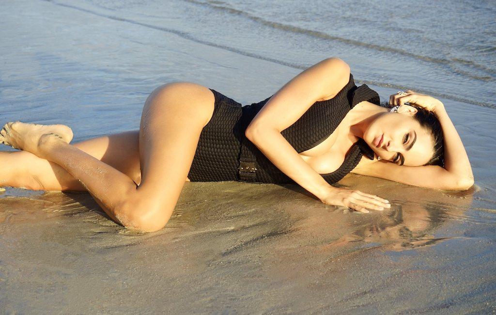 Daniela Botero playa