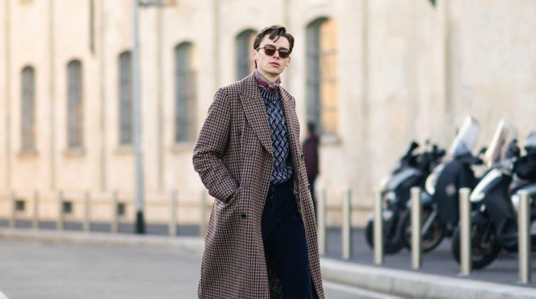 cómo vestir oficina hombre