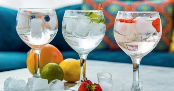 Cómo se hace un gin tonic y qué sabor tiene