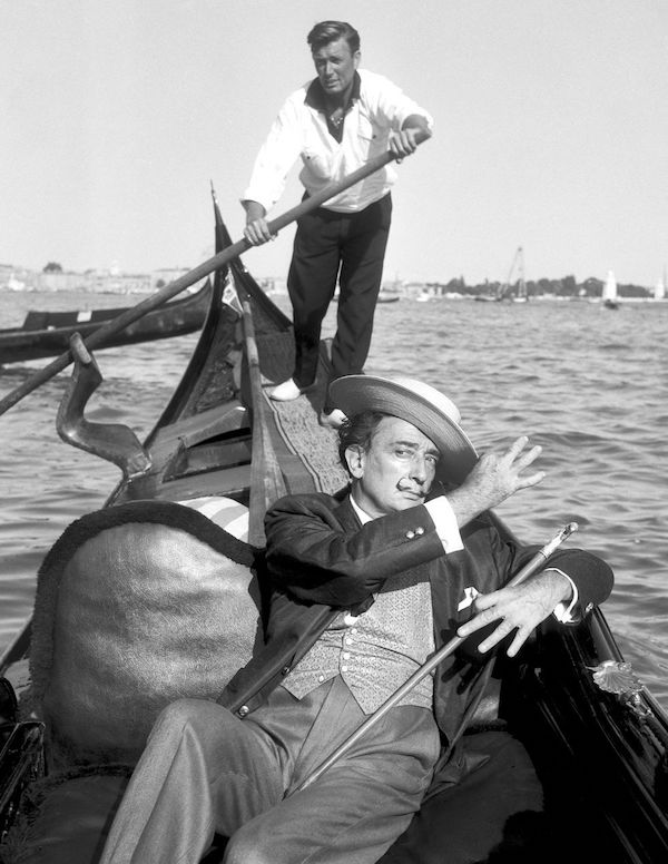 Salvador Dalí Fotos góndola