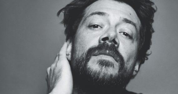 Álvaro Morte entrevista Esquire